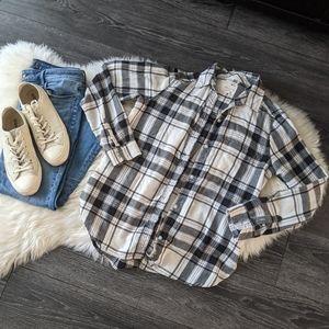 AEO - Boyfriend Fit Flannel Button Down